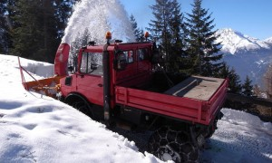 Slowly followed by the slightly smaller snow blower. Not a task for the fainthearted! (Photo courtesy of Herr N. Eder)